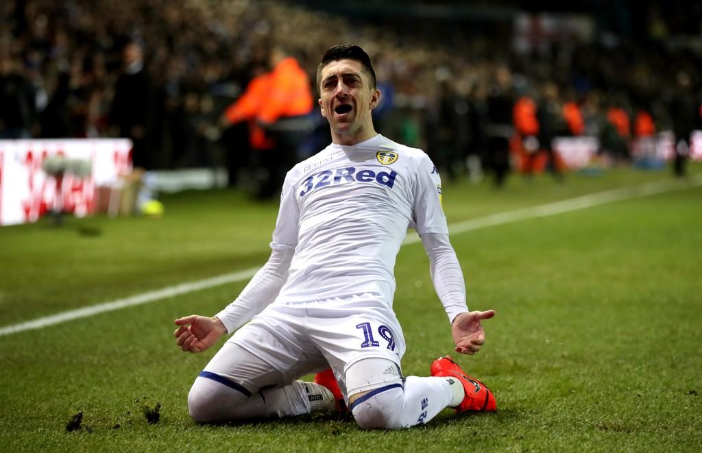 Vi tror at Leeds United og Pablo Hernandez vinner toppkampen i Championship.