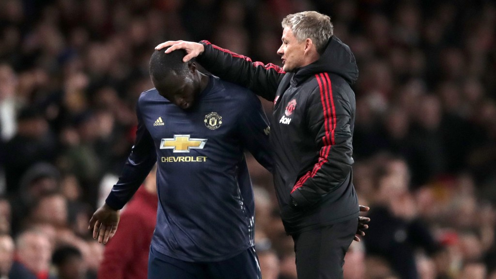 UTE? Manchester United-manager Ole Gunnar Solskjær kan måtte klare seg uten Romalu Lukaku i den kommende cupkampen.