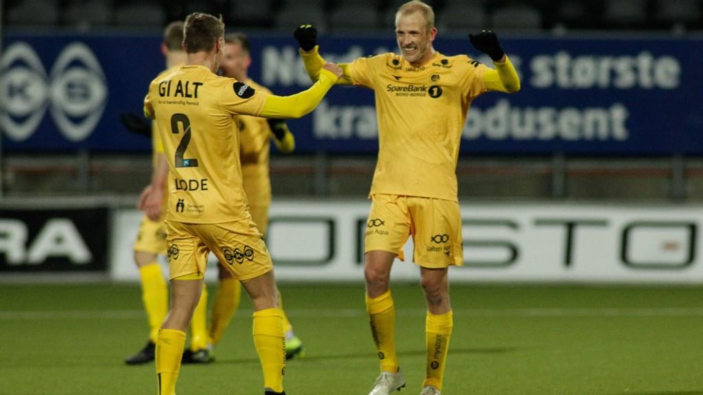 Bodø/Glimts midtbanekriger Vegard Leikvoll Moberg jubler etter seieren hjemme mot Rosenborg i seriepremieren hjemme på Aspmyra.