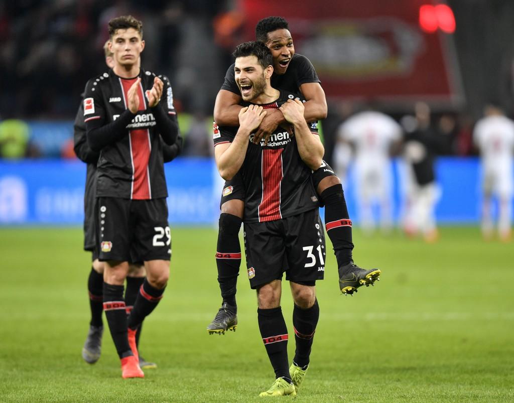Leverkusen og Kevin Volland kjemper om en plass i Champions League neste sesong. (AP Photo/Martin Meissner)