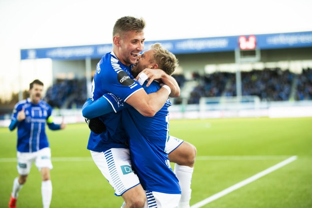 Jonathan Lindseth (t.h.) og Steffen Lie Skålevik jubler etter scoringen til Lindseth mot Molde i seriepremieren.