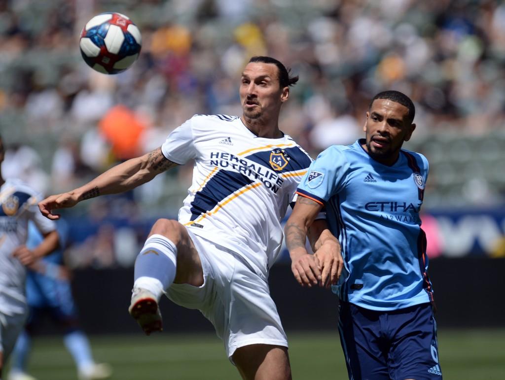 LA Galaxy må klare seg uten spissen Zlatan Ibrahimovic. Han soner karantene på grunn av voldelig oppførsel.