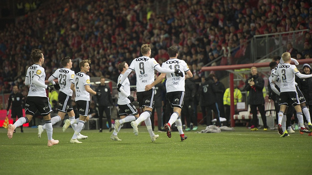 Slik så det ut da Rosenborg gjestet Bergen i fjor. I år er Brann klare favoritter før det man trodde skulle bli et toppoppgjør før sesongen.
