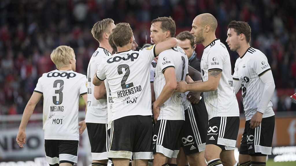 Rosenborg gjorde årsbeste borte mot Brann for tre uker siden. I kveld jakter RBK sin sjette strake hjemmeseier mot Vålerenga.