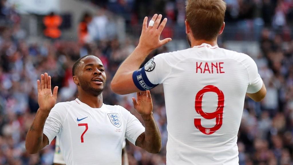 Harry Kane og Raheem Sterling stod for målene da England slo Bulgaria 4-0 på Wembley lørdag.