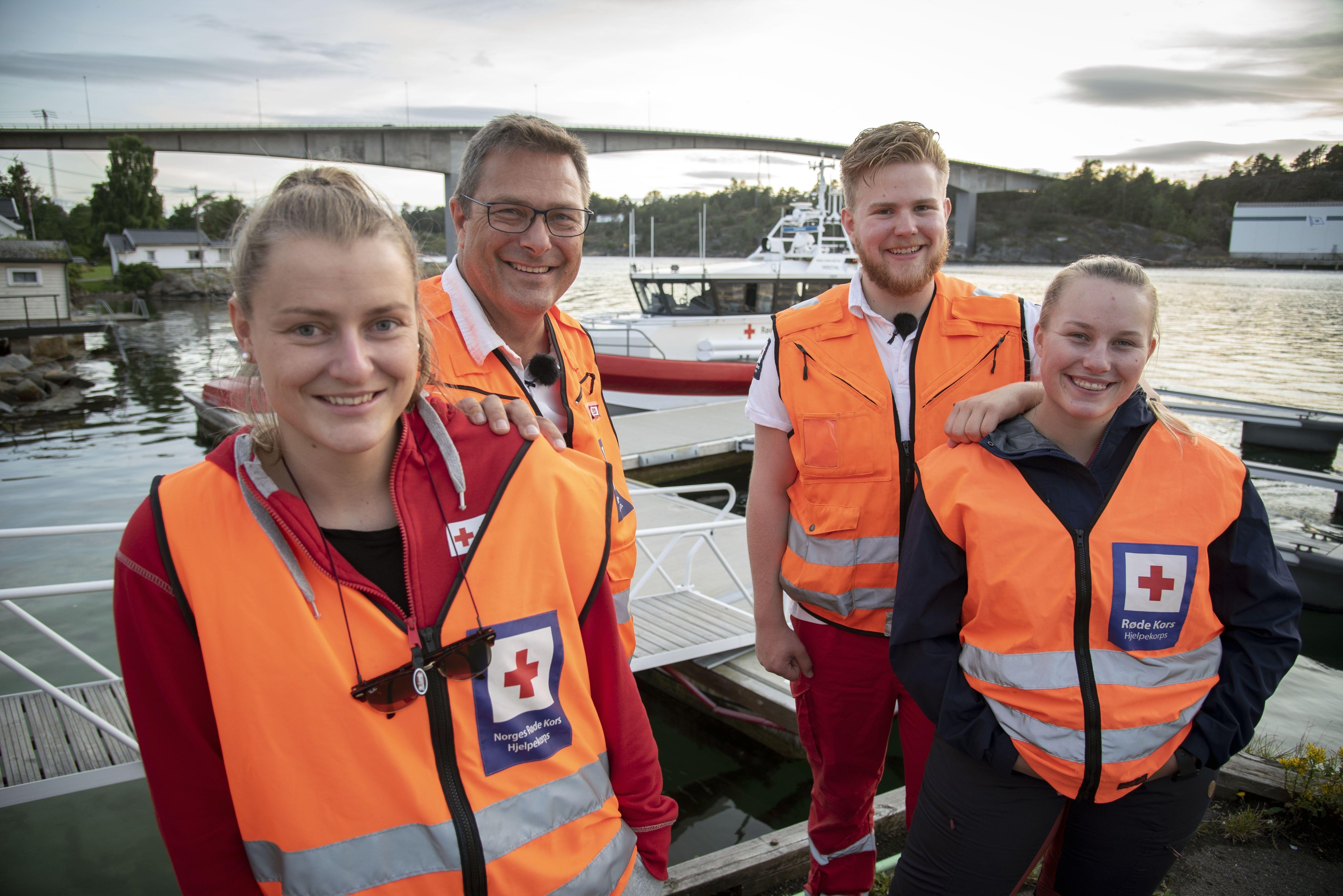 GODT SAMHOLD: Hos Tjøme og Hvasser Røde Kors er det fire vaktlag som bytter på. Her er Oda (til venstre), Egill, Iver og Thea klare for en helgevakt i august.