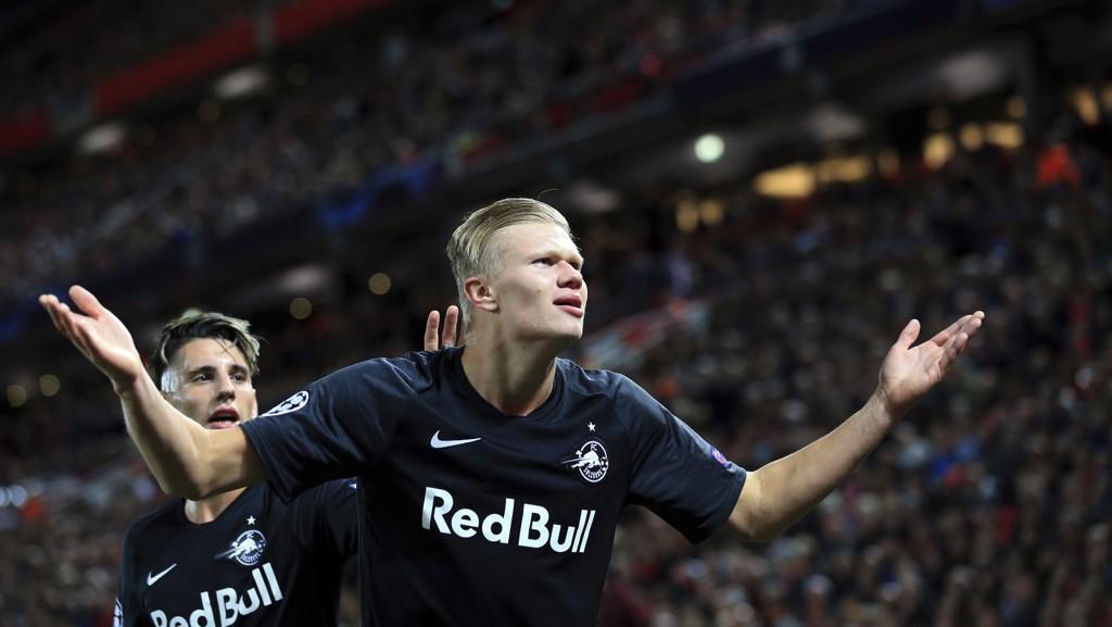 Erling Braut Haaland startet på benken mot Liverpool, men få minutter etter at han entret banen i 2. omgang, utlignet han til 3-3 for Salzburg.