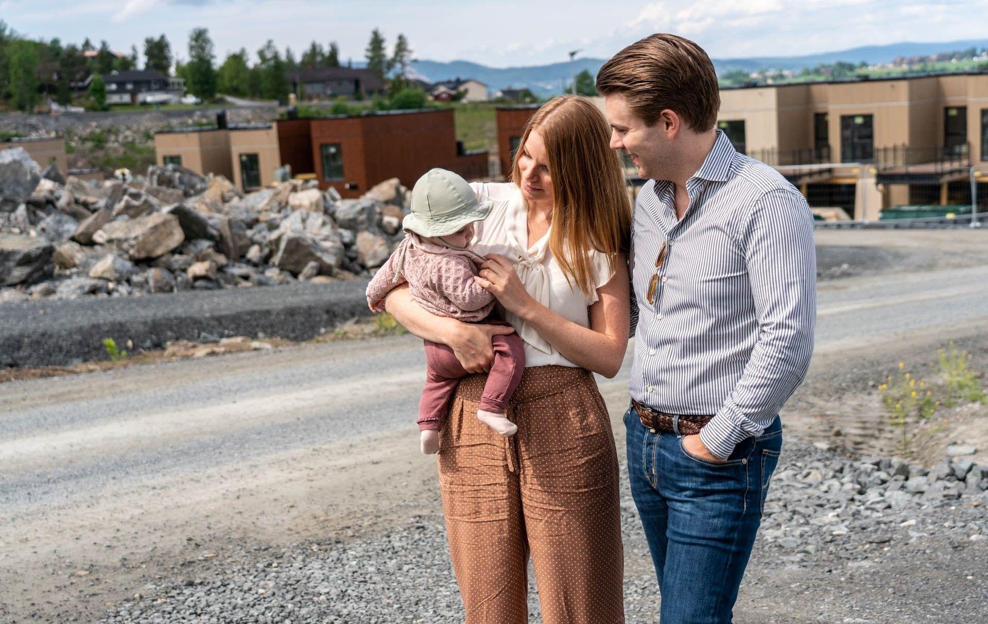 Familien med Silia, Dag og to barn gleder seg til å flytte inn i sin nye bolig på Granåstoppen i Fetsund.