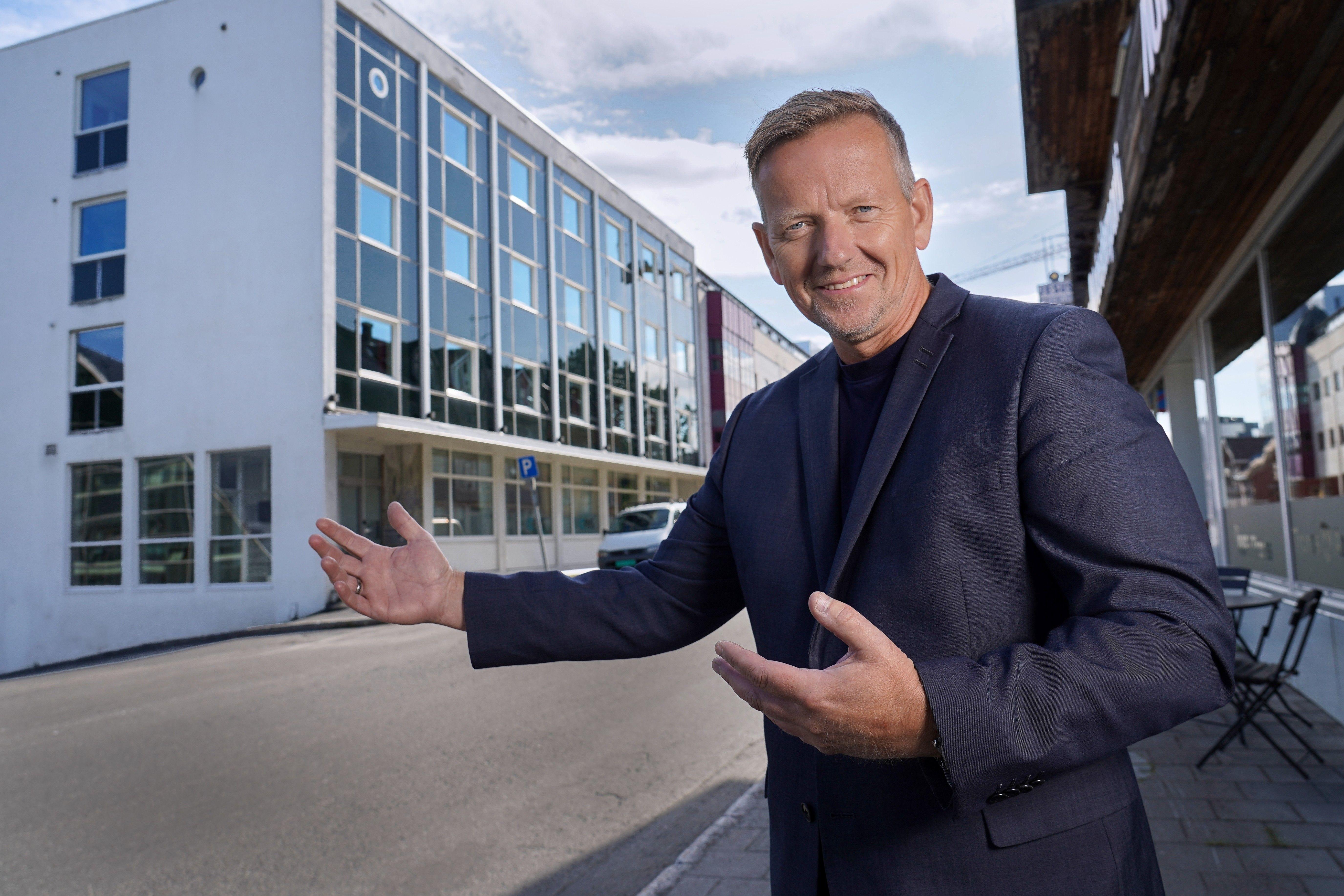 – Det er alltid en diskusjon om hva som er fremtidens kontorer. Er det åpne teamplasser eller tette cellekontor? Hos oss kan leietaker benytte cellekontor, eller vi kan tilpasse og gjøre deler av kontorlandskapet åpent, sier Morten Tidemann i Pago.